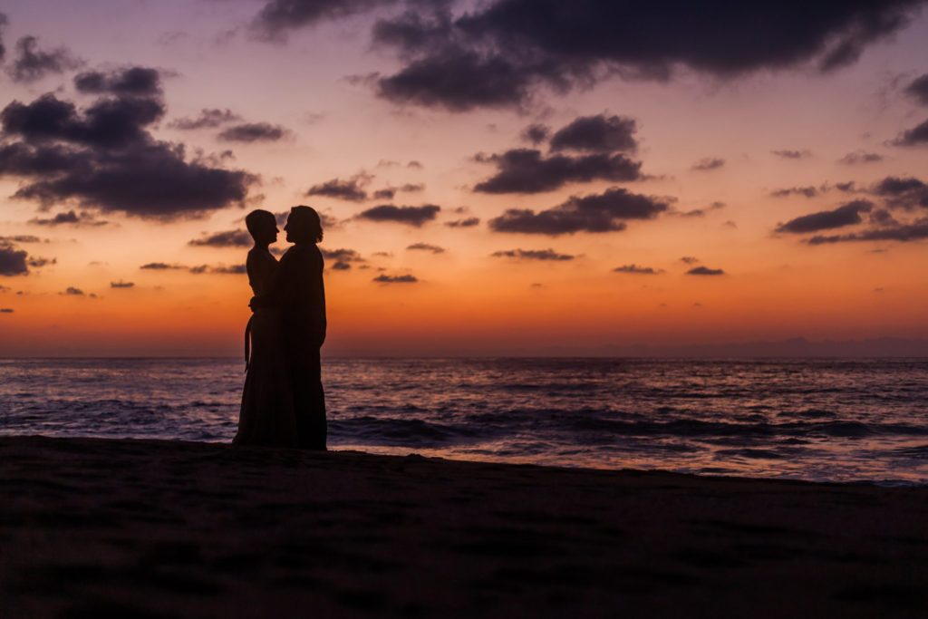 wedding-sayulita-sunset-sky-couple