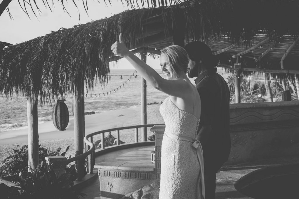 wedding-ocean-smile-moment-bride-dress-sayulita