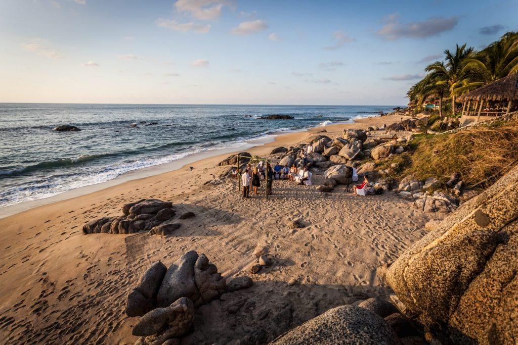 wedding-location-ceremony-ocean-beach-sand-sayulita