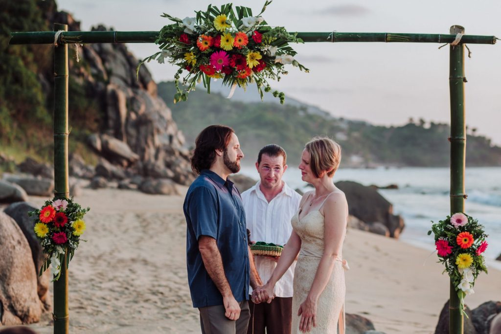 wedding-yes-tears-smile-ceremony-flower-beach